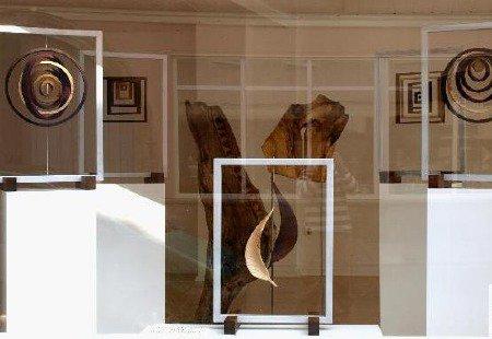 Treibholzkunst und Raumobjekte von Ulrich Hinder